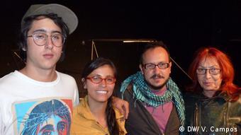De derecha a izquierda: Inge Kleutgens, Felipe Vergara y Catalina Medina, junto a otro integrante del grupo.