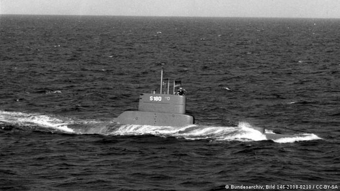 Unterseeboot (U-Boot) der Klasse 205 beim Abtauchen. (Bild: Bundesarchiv)