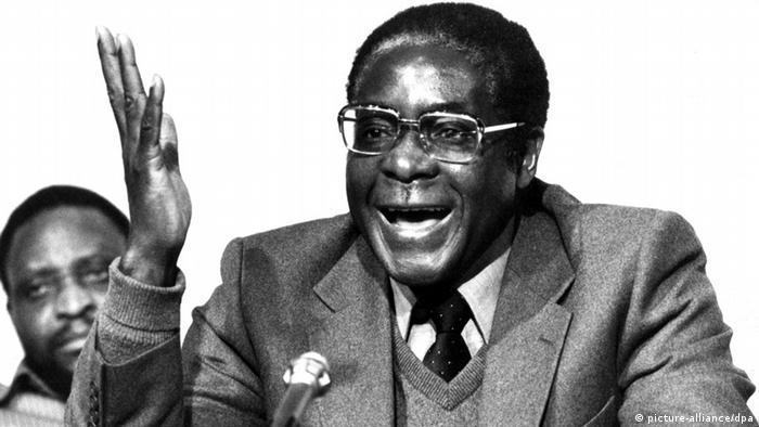 Robert Mugabe - Simbabwe vor der Unabhängigkeit (picture-alliance/dpa)