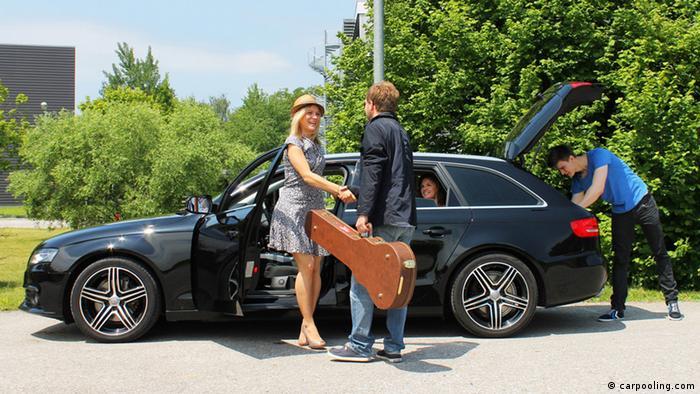 До України чужим авто: дешево і в гарній компанії