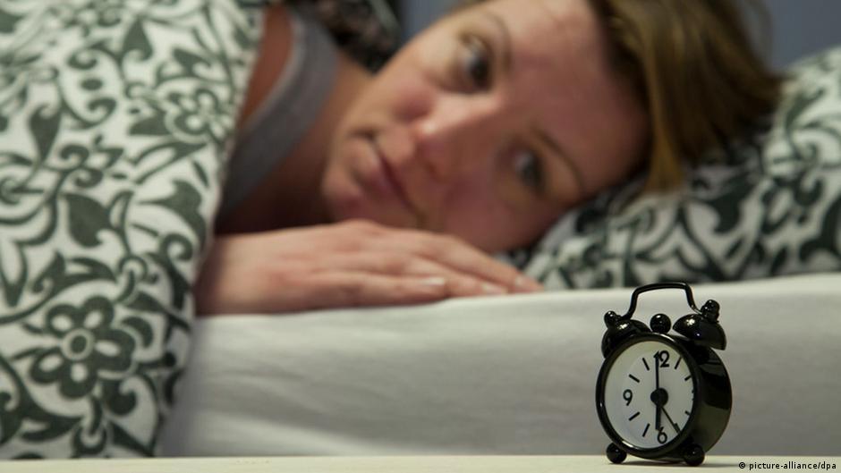 التغلب على الأرق واضطرابات النوم ببساطة ودون أدوية | DW | 01.02.2015