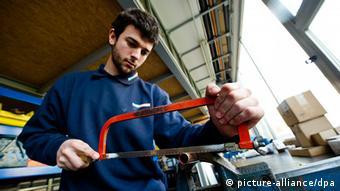Spanische Klempner-Praktikanten (Foto: dpa)