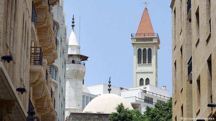 کلیسا و مسجد در بیروت در کنار هم