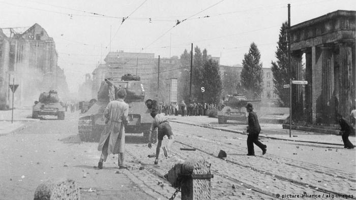 Levantamiento del 17 de junio de 1953, en torno a la Postdamer Platz, en Berlín.