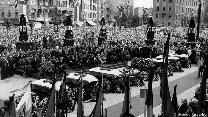 Trauerkundgebung an den Särgen der Berliner Opfer