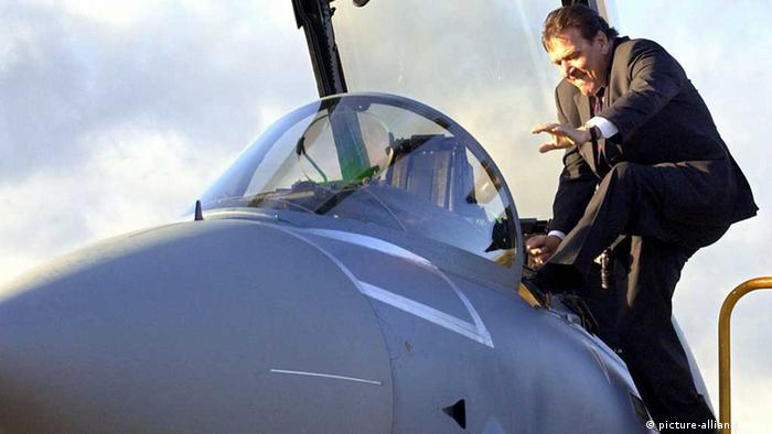 Gerhard Schröder mit Eurofighter