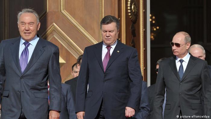 Украина хочет теснее сотрудничать с Таможенным союзом, но на своих условиях