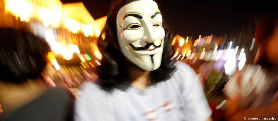"""Máscara """"Guy Fawkes"""": de Anonymous e Occupy à """"Primavera Árabe"""""""