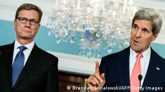Guido Westerwelle und John Kerry bei ihrem Treffen in Washington (Foto: Brendan Smialowski/AFP/Getty Images)