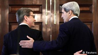 U.S. Secretary of State John Kerry (R) and German Foreign Minister Guido Westerwelle (REUTERS/Yuri Gripas)