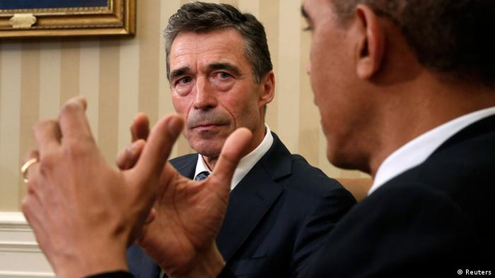 U.S. President Barack Obama meets NATO Secretary General Anders Fogh Rasmussen in the Oval Office of the White House in Washington May 31, 2013. REUTERS/Kevin Lamarque (UNITED STATES - Tags: POLITICS)