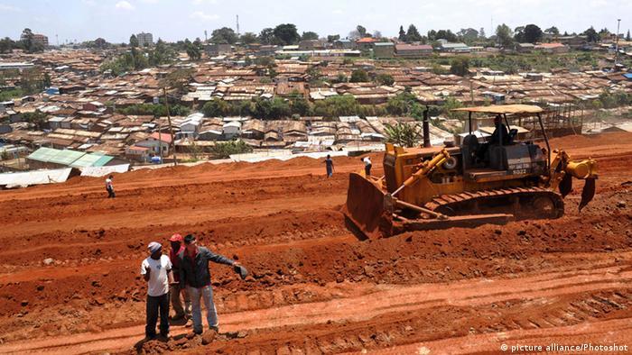 Eine Baustelle in Kenia, einem der Mitgliedstaaten der Ostafrikanischen Wirtschaftsgemeinschaft (Foto: picture alliance / Photoshot)