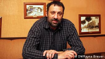 Vlade Divac: Man musste sich mit einer Nationalität identifizieren. (Foto: DW/Rayna Breuer)