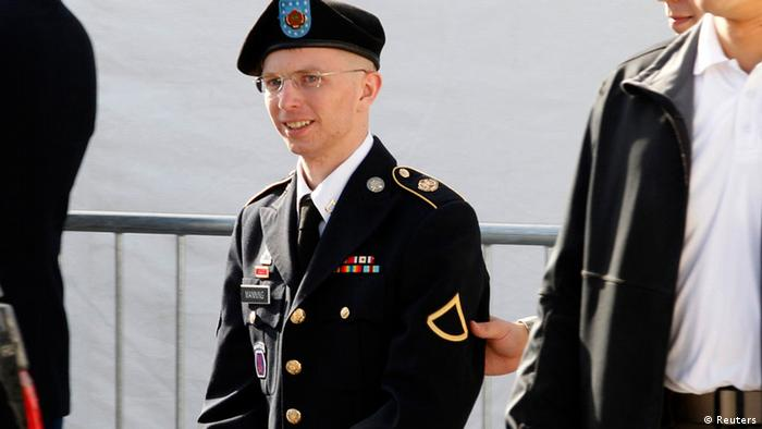 U.S. Army Private First Class Bradley Manning (C) is escorted in handcuffs as he leaves the courthouse in Fort Meade, Maryland, in this June 6, 2012 file photo. The court martial trial of Manning, who is accused of orchestrating the biggest leak of classified information in U.S. history through the WikiLeaks anti-secrecy website two years ago, began June 3, 2013. Photo: Reuters