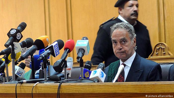 Egyptian Judge Mohammed Shukri presiding over the first trial of NGO defendants in February 2012 Photo: EPA/MOHAMED OMAR
