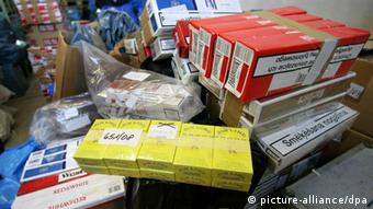 Cigarettes, including some of the Jin Ling brand. Photo: Jens Wolf dpa/lah (zu lah 4285 16.04.2009) +++(c) dpa - Bildfunk+++