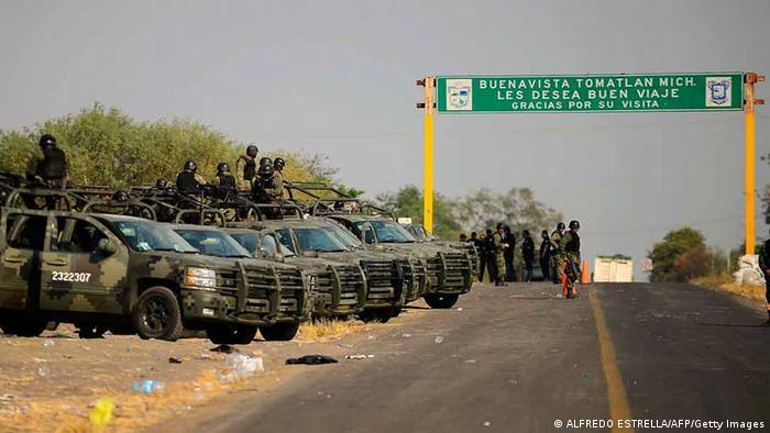 El combate al crimen organizado se sigue apoyando en el ejército.