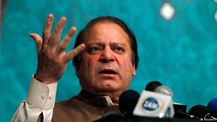Nawaz Sharif, incoming prime minister and leader of the Pakistan Muslim League-Nawaz (PML-N) political party, speaks to his party members, who were voted to political posts in the general election, during a function in Lahore May 20, 2013. (Photo: Reuters)