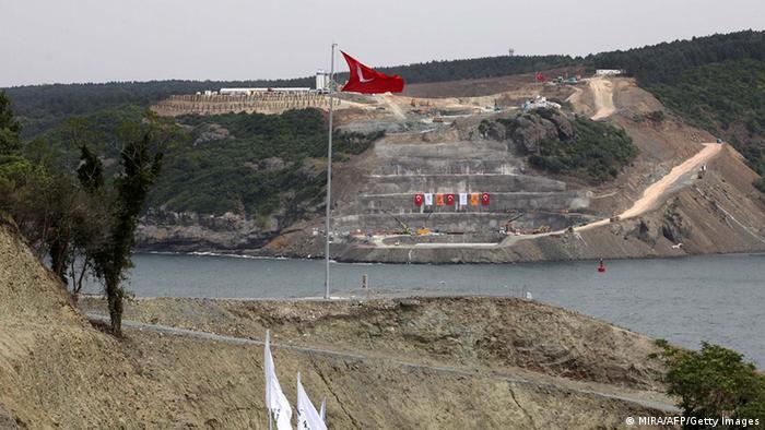 Türkei Bau der dritten Bosporusbrücke
