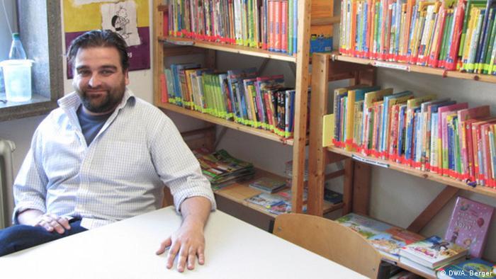 Teacher Markus Wolf at the Erich Kästner School in Bonn. Copyright: DW/A. Berger