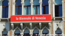 Symbolbild Biennale 2013 Venedig Biennale-Bürohaus