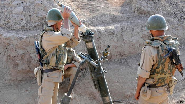 Российские солдаты с гранатометом на учениях в Таджикистане