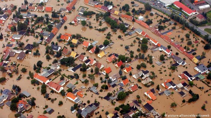 Eilenburg in the 2002 flood. Picture Alliance.