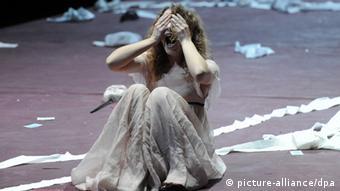 صحنهای از نمایشنامه مرگ دانتون