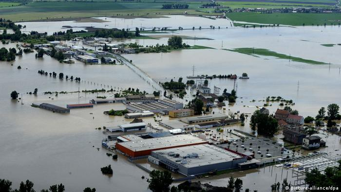 Usti nad Labem region flooded by the swollen river Elbe on Wednesday, June 5, 2013. (CTK Photo/Libor Zavoral) pixel