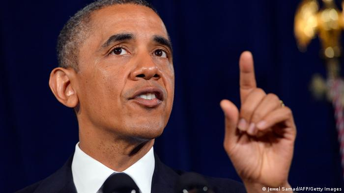 Obama, seinen linken Zeigefinger hebend (Foto: AFP/Getty Images)
