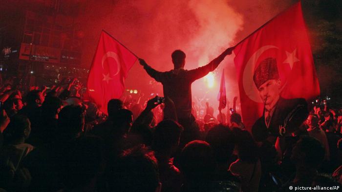 Turkey protesters in Ankara street's. (Photo: AP Photo / Burhan Ozbilici)
