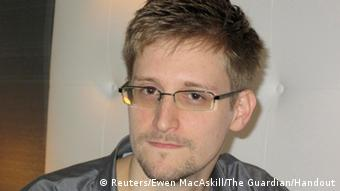 U.S. National Security Agency whistleblower Edward Snowden (c) REUTERS/Ewen MacAskill/The Guardian/Handout