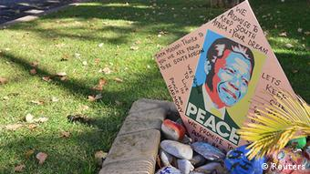 A get well card in the garden of Mandela's house in the Houghton suburb of Johannesburg (Photo: REUTERS/Mujahid Safodien)