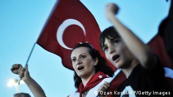 Türkei Proteste gegen die Regierung in Izmir 10.06.2013