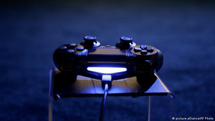 PlayStation   Controller Deutsche Welle