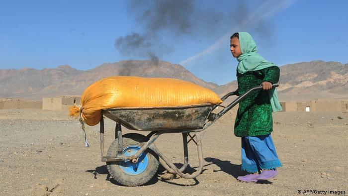 Afghanistan Kinderarbeit in Backsteinfabrik