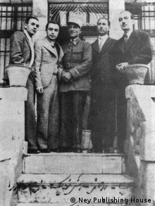 بدیعزاده همراه با دوستان هنرمندش