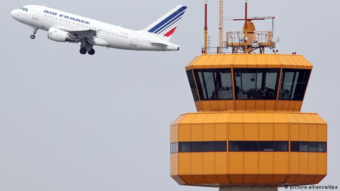 Air-France-Flugzeug mit Tower (Foto: dpa)
