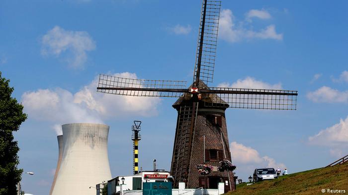 Kernkraftwerk in Doel Niederlande (Foto: REUTERS/Yves Herman)