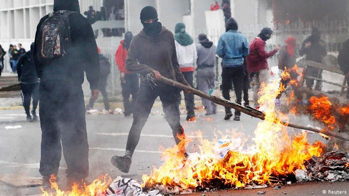 Además de en Santiago, hubo marchas en otras ciudades chilenas, como Valparaíso (foto), Concepción y Temuco. En todas se reportaron disturbios.