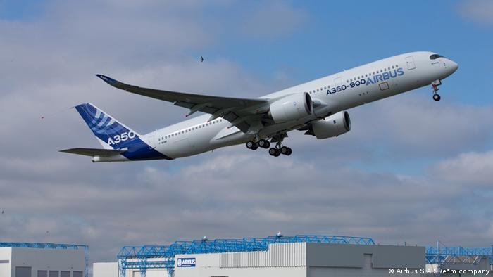 A350 maiden flight in Toulouse Photo by e*m company