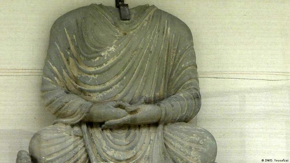 اكتشاف قطع أثرية نادرة لتمثال بوذا في باكستان | DW | 27.12.2014