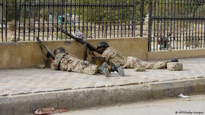 Pakistani paramilitary soldiers take position after militants attacked a hospital in Quetta, the capital of Baluchistan province on June 15 (Photo: BANARAS KHAN/AFP/Getty Images)