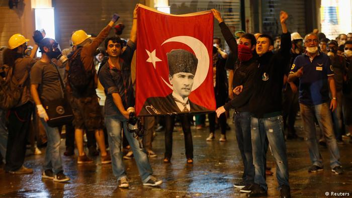 Taksim Platz Gezi Park Istanbul Türkei (Reuters)