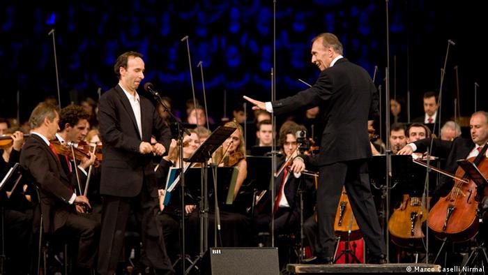 Abbado presenta Pedro y el Lobo con la Orchestra Mozart, en Bologna (2008).
