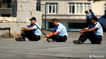 Policajci čuvaju park Gezi