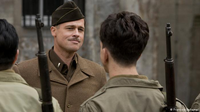 Szene aus dem Film Inglourious Basterds mit Brad Pitt