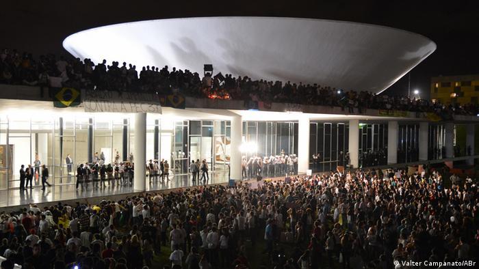 Valter Campanato_ABr Was ist im Bild zu sehen: Proteste in Brasiliens Haptstadt Brasília am 17.6.2013 Copyright: Valter Campanato/ABr
