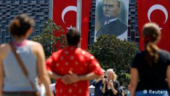 Türkei Istanbul Taksim Platz Stiller Protest Stehen