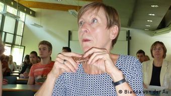Die Initiatorin der Brown-Bag-Seminare, Andrea Ruppert, Professorin für Wirtschaftsprivatrecht an der FH Frankfurt (Foto: DW/Bianca von der Au)